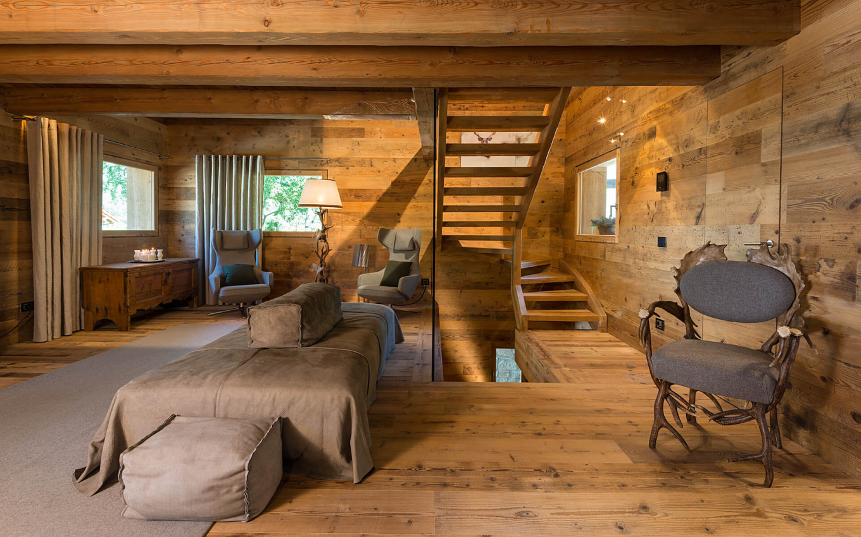 ara-masso-scala-divano